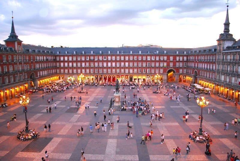 panoramic walking tour in Madrid