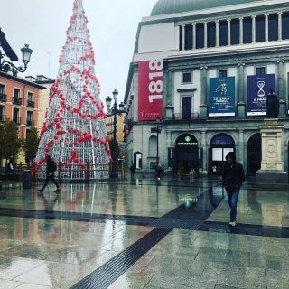 La #Navidad llega a #MAdrid para quedarse #Christmas #christmastree #Spain