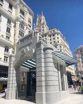 @quesecuecepormadrid nos enseña cómo ha quedado la estación de metro de Gran Vía después de más de 1000 días en reconstrucción! Has tenido la oportunidad de verla ya en persona?  . 📸 Usa el #MadridAndYou para que compartamos tus fotos por Madrid! 😍 . . . . . . . . #granviamadrid #granvia #granvía #lagranvia #lagranvía #lagranviademadrid #granvíamadrid #metromadrid #madridmetro #queverenmadrid #quehacerenmadrid #timeoutmadrid #madridgranvia #madrid❤️ #turismomadrid #visitmadrid #visitamadrid #madridespaña #madrid #madrid_joven #madridciudad #madridcentro #igersmadrid #visitmadrid #madridmemata