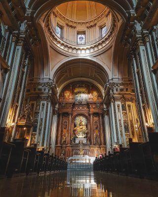 Alguna vez has visitado la antigua Catedral de Madrid? . La Colegiata de San Isidro, fue la Catedral de Madrid hasta justo antes de que se acabasen las obras de la Almudena! . Y eso no es todo, es allí donde se encuentra el sepulcro de San Isidro, el patrón de Madrid! . Recuerda usar el #MadridAndYou y mencionarnos para que subamos tus fotos de la ciudad!😍 . . . . . . . . #madrid #madridturismo #catedraldemadrid #sanisidro #madridespaña #madridmola #madrid❤️ #timeoutmadrid #madridcapital #madridciudad #madridcathedral #madridmonumental #queverenmadrid #quehacerenmadrid #madridturismo #madrid🇪🇸 #madridlovers #madridcityworld #madrid #visitamadrid