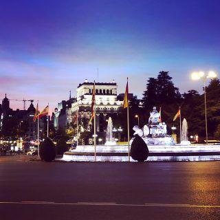 Y así de impresionante está la diosa de la fertilidad en un día como hoy . #madrid #cibeles #realmadrid #acelebrar
