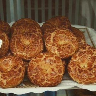 ¿Te has convertido en todo un chef durante esta cuarentena y te apetece rendir homenaje a la gastronomía madrileña? 👩🏻🍳👨🏽🍳 Descubre 5 recetas en nuestro blog https://madridandyou.com/5-recetas-tipicas-de-la-cocina-madrilena/