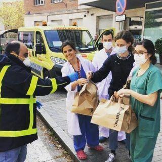 Madrid muestra su lado más solidario durante esta cuarentena ❤ Descubre alguna de las iniciativas en nuestro blog: https://madridandyou.com/madrid-muestra-su-lado-mas-solidario-durante-esta-cuarentena/